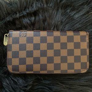 "Louis Vuitton ""Zippy"" wallet"